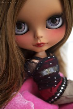 Oh wow! Change the eyes to hazel green and then it's a doll version of my bestie! (After she's tanned a bit, I mean)