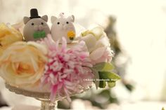 kitty and Cat MochiEgg wedding cake topper,wedding ceremony,ideas, gift,decoration and details #handamdecaketopper #customcaketopper # #weddingcake #kitten #animals #cute #bridalshowergift #cakedecoration #ネコ #gato #Katze #chat
