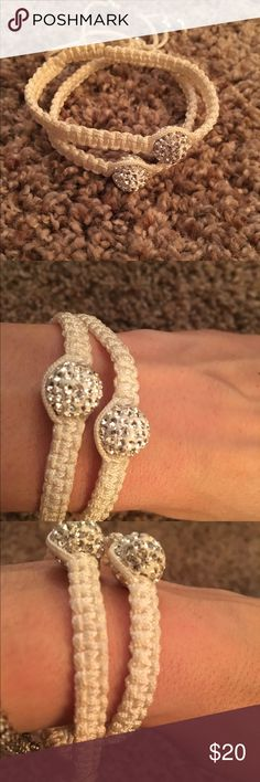 Trendy stackable bracelets in white and silver! Trendy stackable bracelets white with that silver sparkle! Can be worn alone or with multiple! Always get compliments on these bracelets! Can dress up any outfit! Open to offers and have lots of colors! Adjustable closure to fit any size wrist! Jewelry Bracelets