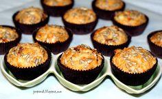 Wytrawne muffinki z fetą i suszonymi pomidorami