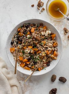 Healthy Salads, Healthy Eating, Meal Salads, Roasted Butternut Squash Cubes, Vegetarian Recipes, Healthy Recipes, Delicious Recipes, Tasty, Warm Salad