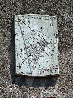 Carcassonne cadran solaire