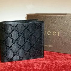 Gucci wallet black shining Gucci wallet man black shining this is a beautiful gift Gucci Bags Wallets Gucci Wallet, Gucci Bags, Birthday Ideas, Wallets, Fashion Design, Fashion Trends, Boys, Gifts, Accessories