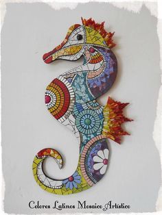 Mosaic Planters, Mosaic Flower Pots, Mosaic Garden, Mosaic Diy, Mosaic Crafts, Mosaic Projects, Seahorse Art, Seahorses, Mosaic Animals