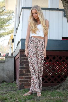 Blogger @allyss2011 looks lovely in her Country Chic style featuring Charlotte Russe floral print palazzo pants! Check out her blog for more details: Lifewithlyss: Country & City Chic: CR Palazzo Pants ft. Kay. Shop the look: http://www.charlotterusse.com/thumbnail/Bottoms/Pants/pc/3390/2636.uts