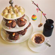 Happy Easter to everyone! Enjoying Easter with an organic cappuccino, homemade pralines and homemade vegan gluten free chocolate muffins.  #instagood #instacoffee #organic #cappuccino #coffee #latteart #passion #love #homemade #pralines #vegan #glutenfree #chocolate #muffin #flower #sunday #spring #ostern #frühling #sonntag #kaffee #liebe #glutenfrei #schokolade #blumen #fotodestages