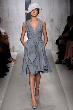 Donna Karan Spring 2010 Ready-to-Wear - Collection - Gallery - Style.com