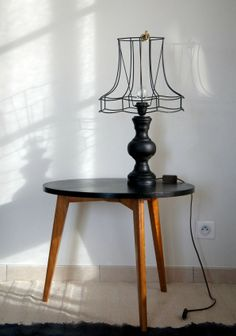 naked lamp shade, black table lamp - Hege in France