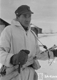Finnish soldier on patrol. Suurlahti (Velikaja Guba), 25.3.1944.