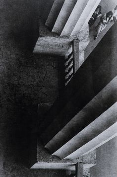 Alexander Rodchenko - Columns of the Museum of the Revolution, Moscow, 1926 / Silver Gelatin Print - Vision Photography, Photography Gallery, Abstract Photography, Fine Art Photography, Street Photography, White Photography, Alexander Rodchenko, Built Environment, Russian Art
