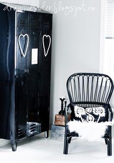 Black & white Interior, love the closet in shiny black