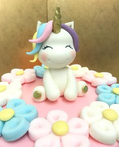 "47 Me gusta, 5 comentarios - KuDi - Cake Desgin (@kudicakes) en Instagram: ""Magical  #magical #unicorn #flowers #rainbow #unicornio #einhorn #flores #caketopper #handmade…"""