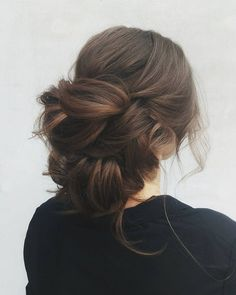 unique updo wedding hairstyle idea #weddinghair #hairstyle #updo #weddingupdo #hairupdoideas #hairideas #bridalhair