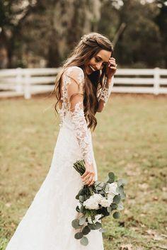 Cozy Cute Florida Wedding at Bramble Tree Estate   Junebug Weddings