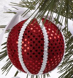 Check out these fun-to-make, handmade Christmas gifts, ornaments, and decorations—classroom Christmas art ideas included! Diy Quilted Christmas Ornaments, Sequin Ornaments, Christmas Arts And Crafts, Fabric Ornaments, Christmas Baubles, Diy Christmas Ornaments, Handmade Christmas, Christmas Fun, Christmas Crafts