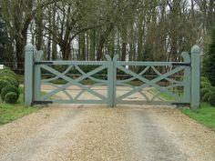 big gate Don't like curved pieces on top in middle but rest is good – front yard fence ideas Farm Gate, Fence Gate, Fencing, Garden Gate, Front Gates, Entrance Gates, Driveway Entrance, Farm Entrance, Driveway Landscaping