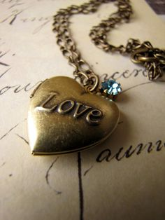 love locket, I would love one of these with the birthstone of the loved one and a picture of then on the inside♡