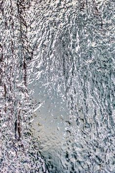 "Liquid metal by Lee ""Pulitzer"" Pullen Texture Metal, Art Texture, Texture Design, Gravure Illustration, Armadura Medieval, Liquid Metal, Gray Aesthetic, New Blue, Pics Art"