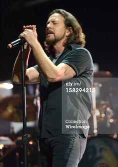 "Eddie Vedder  ""12-12-12"" The Concert for Sandy Relief"