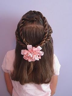 I'm going to comb my daughter's hair like this! :)