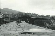 Pontypridd Station. The main platform at Pontypridd was the world's longest island platform (a station platform surrounded by tracks) when it opened in 1907.