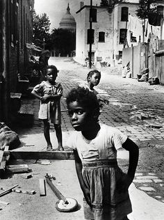Tumblr History Facts, Old Pictures, Vintage Pictures, Vintage Black, Congress Building, African Americans, Contrast Photography, Capitol Building, Poverty Photography
