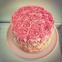 Bluebells Cakery rosette-cake. Divine.