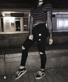 Urban Fashion Style T-Shirts Urban Wear Hip Hop Products. Grunge Outfits, Punk Outfits, Gothic Outfits, Mode Outfits, Retro Outfits, Grunge Fashion, Girl Outfits, Fashion Outfits, Emo Fashion