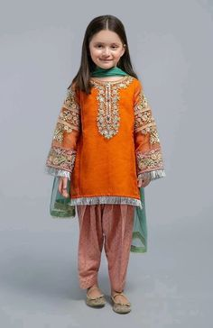 Un-Stitched Embroidered Lawn Dress (Shirt & Trouser )✔️Printed Front, Back & Sleeves Meter)✔️Printed Trouser Meter)✔️Complete Embroidered accessories✔️Best Suitable for Year Girl. Stylish Dresses For Girls, Dresses Kids Girl, Girl Outfits, Pakistani Kids Dresses, Pakistani Dress Design, Baby Girl Dress Design, Girls Frock Design, Kids Fashion Wear, Kids Dress Wear