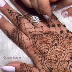 Henna Designs Arm, Modern Henna Designs, Legs Mehndi Design, Eid Mehndi Designs, Back Hand Mehndi Designs, Mehndi Designs For Beginners, Mehndi Design Photos, Mehndi Designs For Fingers, Latest Mehndi Designs