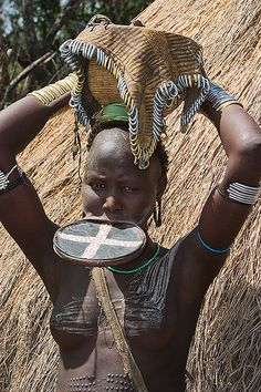 Woman from the Mursi tribe