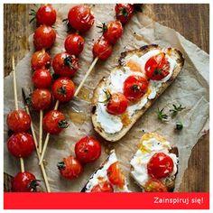 Na jeden z ostatnich, letnich weekendów polecamy poeksperymentować z grillowaniem! Grzanki z białym serem i grillowanymi pomidorami koktajlowymi - zdecydowanie