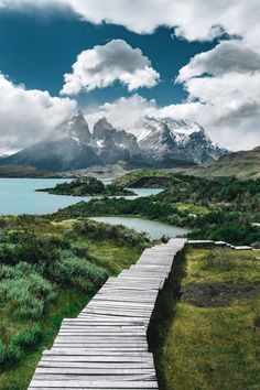 The 50 most beautiful places in the world - Torres del Paine National Park, Chile With its granite pillars, azure lakes and steppes fill - Beautiful Places In The World, Beautiful Places To Visit, Places Around The World, Places To See, Beautiful Beautiful, Parc National Torres Del Paine, Les Continents, Destination Voyage, Vacation Places