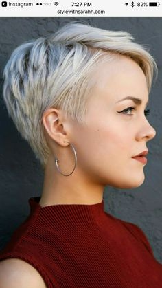 60 Stunning Pixie Haircut Ideas for This New Season Stylish Pixie Haircut; Super Muy Corto Pixie Cortes de pelo Y Colores de Pelo para Short Pixie Haircuts, Pixie Hairstyles, Cool Hairstyles, Hairstyle Short, Pixie Haircut Fine Hair, Choppy Pixie Cut, Pixie Haircut Styles, Asymmetrical Pixie, Celebrity Hairstyles