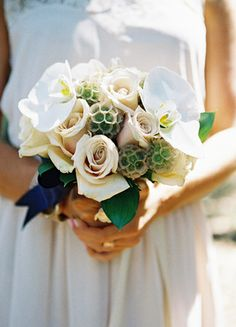 Bridesmaid Bouquet //  Photo: Braedon Flynn Photography // Feature: The Knot