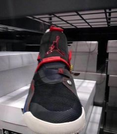 check out 5adc7 7977d Air Jordan 33 First Look