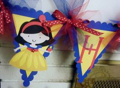 Snow White Party Banner by ThePaperPartyBox on Etsy First Birthday Parties, 3rd Birthday, First Birthdays, Birthday Ideas, Snow White Invitations, Snow White Characters, Party On Garth, Snow White Birthday, Princess Theme Party