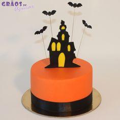 Halloween Casa Assombrada - Grãos de Açúcar - Bolos decorados - Cake Design