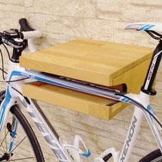 Zu finden auf http://www.my-little-store.de/dnmy3rcvfohpcvyt:181 Bike Rack von AHOOOY 100% handgefertigt. Die Fahrradhalter können auch auf Anfrage aus Deinem Wunschholz gefertigt werden. Beachte dabei, dass der Preis ggf. (je nach Holzart) abweichen kann.  Der AHOOOY Bike Rack ist ideal für alle, die ihr Fahrrad (Rennrad, Mountainbike, BMX...) im Zimmer, in der Wohnung... und nicht im Keller oder auf der Straße stehen haben.