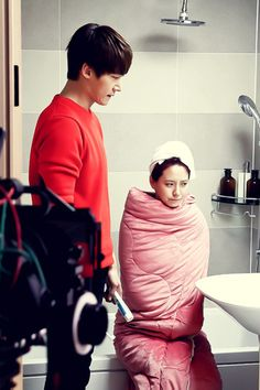 """Emergency Couple"": Choi Jin Hyuk Pampers Song Ji Hyo 