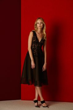 http://www.vogue.com/fashion-shows/pre-fall-2016/lela-rose/slideshow/collection