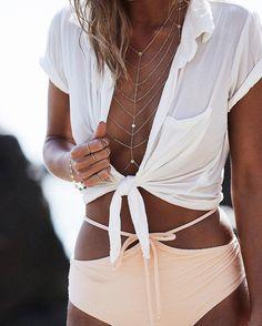 Lili Claspe || Solace collar in gold