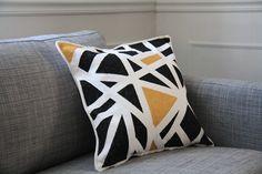geometric pattern pillow - drifter and the gypsy blog : via La Garbatella