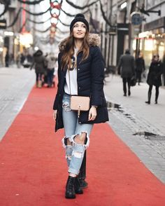 Winter travel outfit! So comfy and cool street style outfit for travel! Stockholm. See more on my instagram: @tanyaewwel