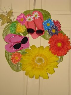Flip Flop Summer Wreath!  So cute!!  :)