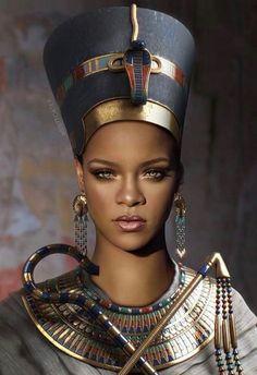 Egyptian headdress of Cleopatra - Rihanna Mode Rihanna, Rihanna Style, Rihanna Fenty, Rihanna Vogue, Rihanna Dress, Rihanna Fashion, Black Is Beautiful, Beautiful Women, Look Festival