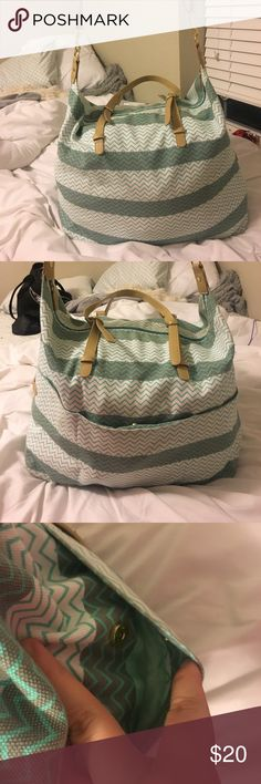 Weekender bag White and grey stripes with real chevron pattern. Inside is lined. Fits a lot of stuff. Short and long straps. From target. Mossimo Supply Co. Bags Travel Bags