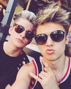 Jake and lee Don't Judge, Youtubers, Style Me, Mens Sunglasses, Friends, Boys, Pictures, Amigos, Baby Boys