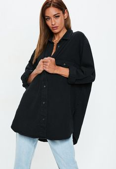 Missguided has the fiercest collection of affordable, coveted tops in the fashion universe. From crop tops & camis to shirts & bodysuits - just take a look! Boyfriend Shirt Outfits, Black Shirt Outfits, Black Denim Shirt, Oversized Denim Shirt, Black Button Up Shirt, Jeans Boyfriend, Casual Outfits, Girl Outfits, Claudia Tihan