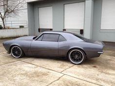 Very slick custom Camaro. Chevrolet Tahoe, Chevrolet Camaro, Corvette, 1967 Camaro, My Dream Car, Dream Cars, Hot Rides, Sweet Cars, American Muscle Cars